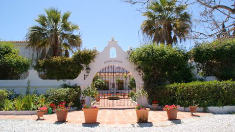 A photo of the pretty entrance of the Finca